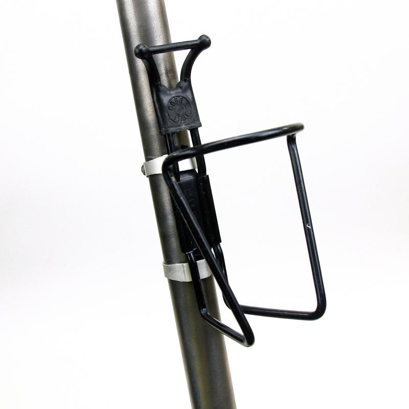 Black Bottle cage Cobra black tip clamps