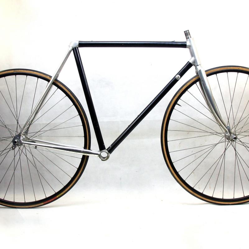 Black Frame and Forks Vitus 979 Size 53