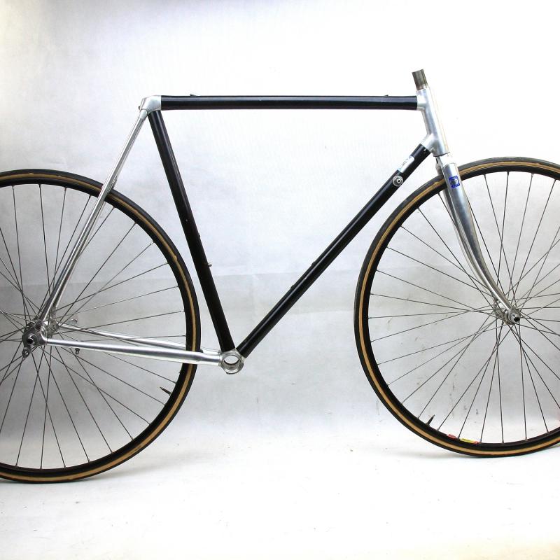 Black Frame and Forks Vitus 979 Size 55
