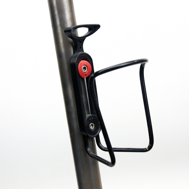 Porte bidon noir entraxe réglable avec visserie