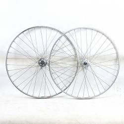 Paire de roue Mavic moyeux Maillard 700 Professional