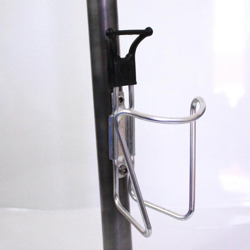 Porte bidon Cobra embout noir avec visserie
